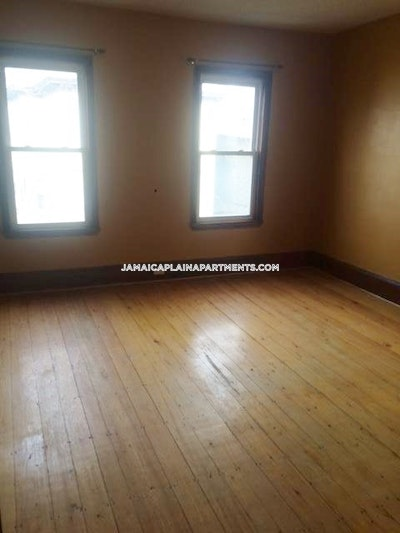 Jamaica Plain 3 Bed 1 Bath BOSTON Boston - $2,700 No Fee