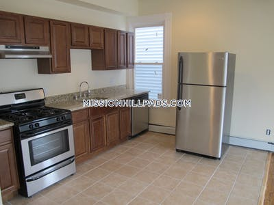 Roxbury Amazing 2 bed 1 bath in Roxbury Boston - $1,800