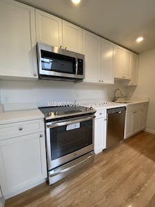 Brighton 3 Beds 1 Bath Boston - $2,250