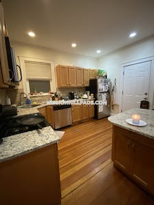 Mission Hill 5 Beds 2 Baths Boston - $5,500