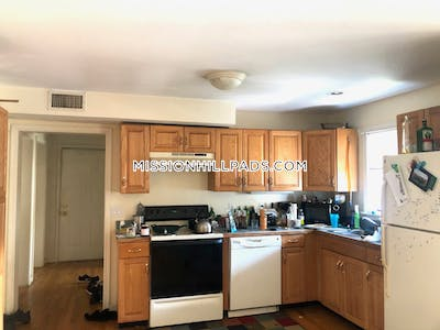 Mission Hill BEAUTIFUL 4 BED 1.5 BATH APARTMENT IN MISSION HILL!! Boston - $4,000