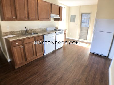 North End GORGEOUS THREE BEDROOM APARTMENT LOCATED ON HANOVER ST NORTH END. NO BROKER FEE Boston - $3,450 No Fee