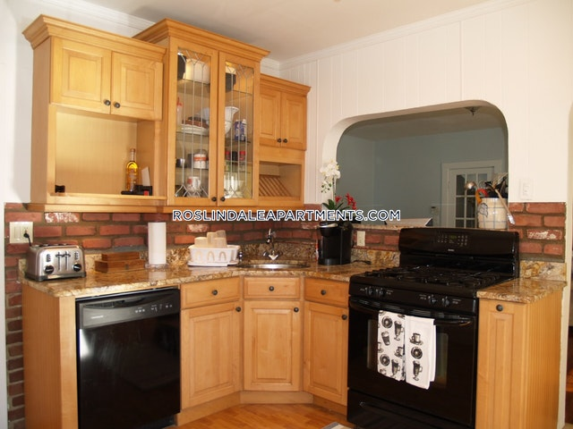 2 Beds 1 Bath - Boston - Roslindale $2,050