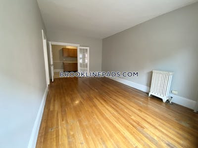 Brookline Great 1-Bed Apartment on Sewall Street  Coolidge Corner - $1,900 No Fee