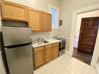 Brookline FREE TWO MONTHS RENT NO BROKER FEE $500 TOWARDS MOVING EXPENSES- Brookline- Coolidge Corner  Coolidge Corner - $1,595 No Fee