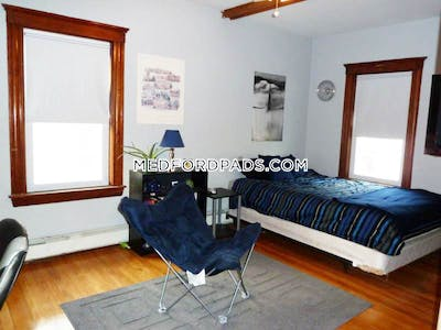 Medford Amazing 3 Bed 1 Bath on Frederick Ave in MEDFORD Available Now  Tufts - $2,700